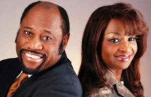 myles munroe t670 300x193 Pastor Myles Munroe e esposa morrem em acidente aéreo