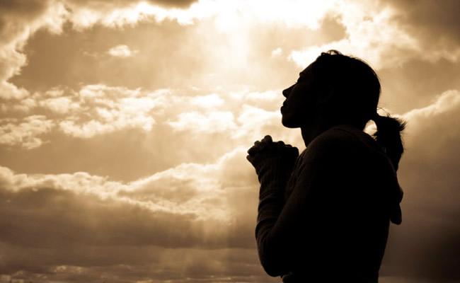 Mesmo nas suas aflições, confie no Senhor, pois Ele é fiel! As atribulações da vida são passageiras.Você pode contar com o nosso Senhor. Ele é o nosso advogado. Procure agradar a Deus no que você faz.