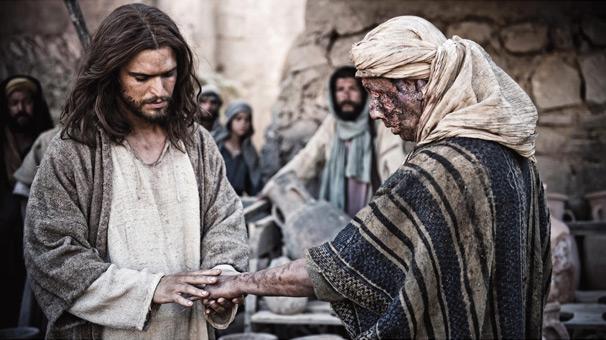 Quando a cura acontece, louve a adore ao Senhor. Não sejamos como os nove leprosos que erraram por não voltarem e agradecerem ao Senhor. Adotemos a atitude do samaritano, submeta seus planos e futuros na mão do Senhor.