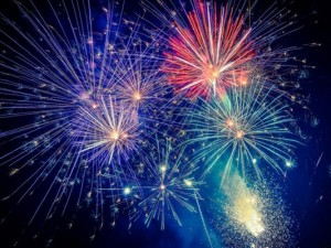 fireworks 1530809306 8785 300x225 Feliz Natal! Deus é o nosso refúgio!