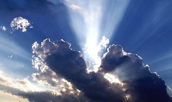 Deus está nas experiências escuras e nas experiências claras da vida. Ele é Deus. Ele tem a melhor nuvem para nos guiar. A nós cabe buscar o Senhor e conhecer a sua vontade, para nossa vida e família. A nuvem escura da vida é passageira. É só um teste para a nossa fidelidade com o Senhor. Amém!