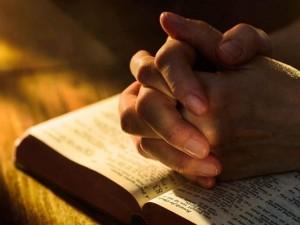 asoscomDeusOração hoje 19 às 15 horas com oração do Pai Nosso 300x225 A sós com Deus