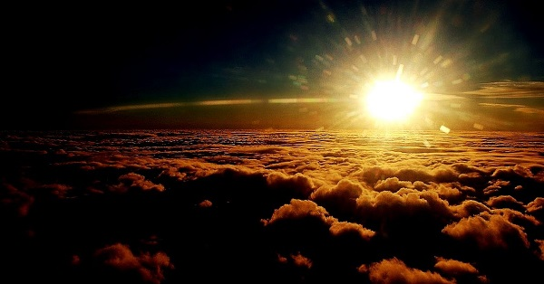 Tudo que há no Universo é para revelar o louvor a Deus. Deus se revela como criador do Universo. Até as estrelas o obedecem. Alegrem-se com as maravilhas de Deus para nós(Salmos 96:12)